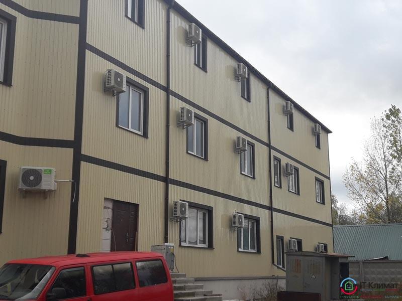 Монтаж - 31 шт. настінних кондиціонера (MDV і Lessar) в готелі с. Погреби